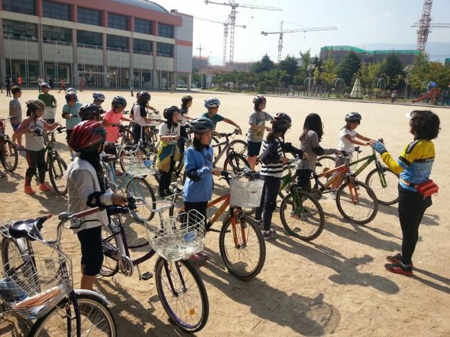초등학생 자전거 안전교실.jpg