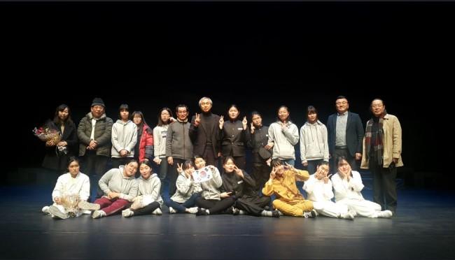 충무여자중학교 홍보자료-학생연극회 공연1.JPG