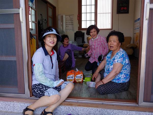 0823 밀양시 하남읍 자원봉사회, 사랑 나눔 밑반찬 배달.jpg