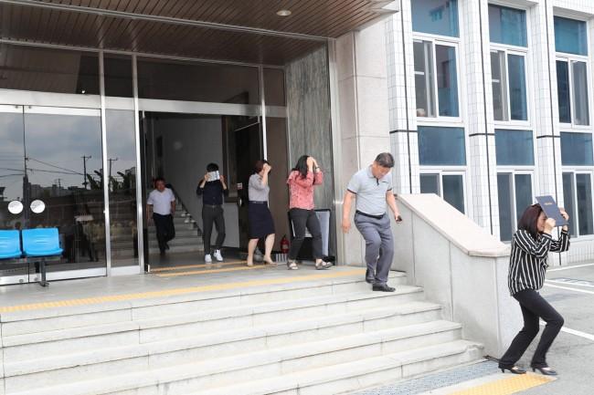 9월12일 지진안전주간 지진대피훈련 (1).JPG