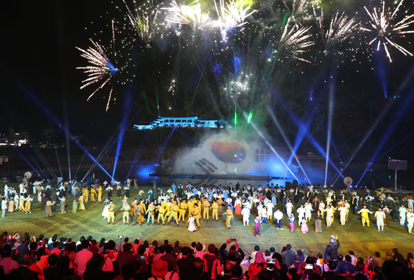 0519 제61회 밀양아리랑대축제(2)-밀양강 오딧세이.JPG