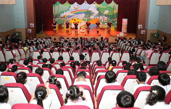 산청군 어린이 충치예방 연극공연 자료사진 1-1.jpg