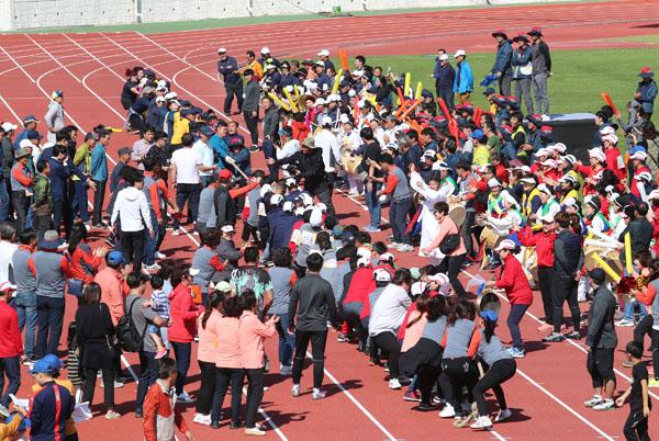20191012 제43회 밀양시민체육대회-줄다리기.JPG