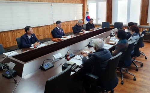 지난 9일 고성군청에서 열린 경남고성공룡엑스포조직위원회 이사회 장면