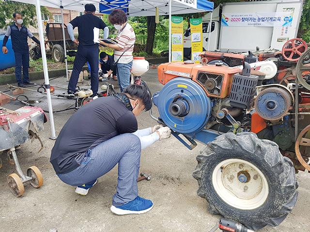 농기계 순회수리 및 교통사고 예방활동 (3).jpg