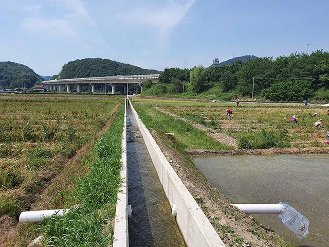 산청군 농업생산기반시설 생초 평촌지구 용배수로 공사 (1)-1.jpg