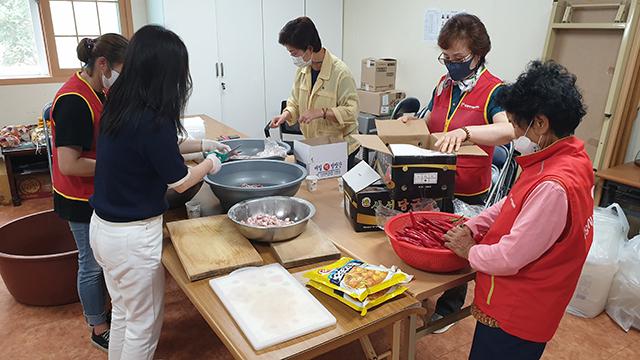 20210615-단장면 자원봉사회 여름맞이 밑반찬 나눔 (1).jpg
