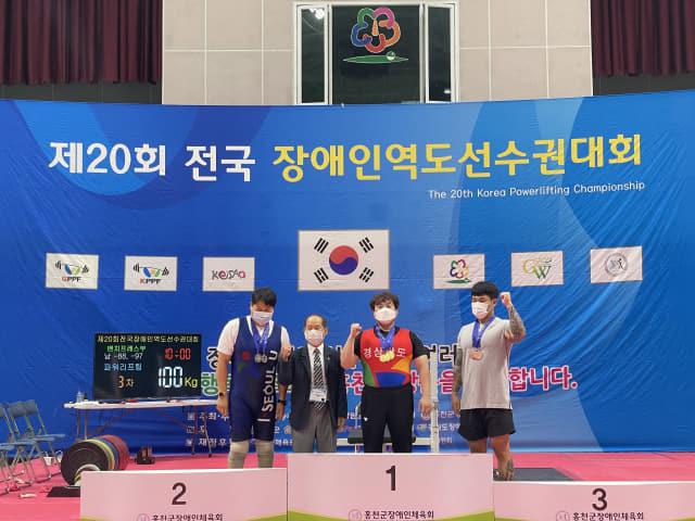 남자 -88㎏급에서 금메달 3개를 획득한 최진근 선수./경남장애인체육회/
