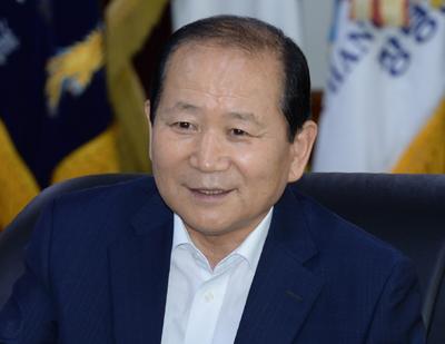 [경남인] 郡지역 중 8년 연속 인구증가 김충식 창녕군수