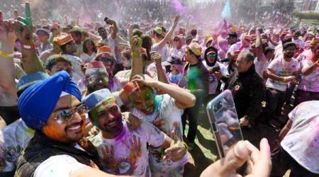 '색색깔' 화려한 봄맞이 축제